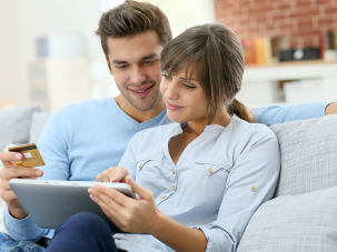 Застраховки към дебитни и кредитни карти